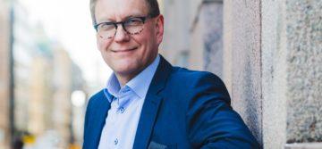 Atte Jääskeläinen: Leiritulilta digitaaliseen verkostoviestintään